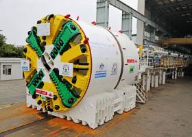 Forrestfield-Airport Link tunnel boring machine arrives in Perth